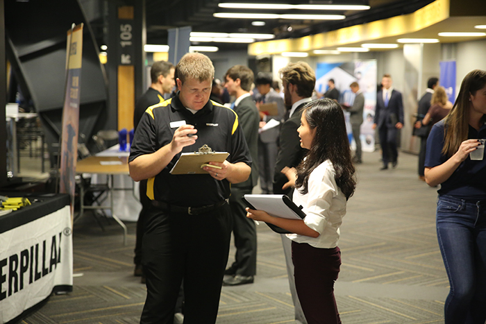Student talking to recruiter at 2019 ASME @ Georgia Tech Career Fair